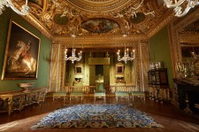 King's bedroom : the architecture that inspired Versailles