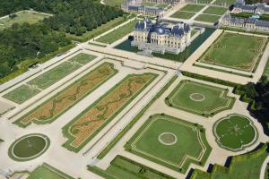 Vue aérienne du jardin de Vaux-le-Vicomte (C) Lourdel et Chicurel